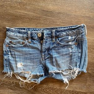 American Eagle 00 Shorts Ripped